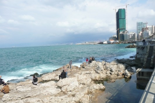 Beirutilaisia ja Välimeri.