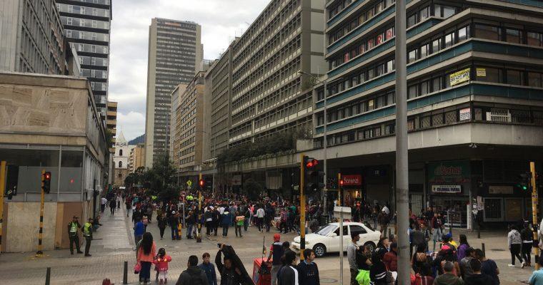 Viimeinen aamu Bogotassa, Kolumbian turvallisuustilanteesta, hyvästä kahvista ja pekonista