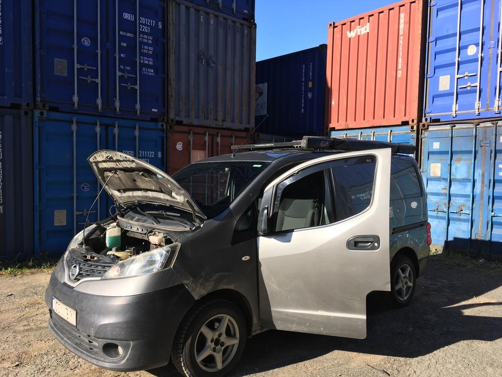 Auto tullattu ja ulkona Vladivostokin satamasta! (…ja suoraan korjaamolle)