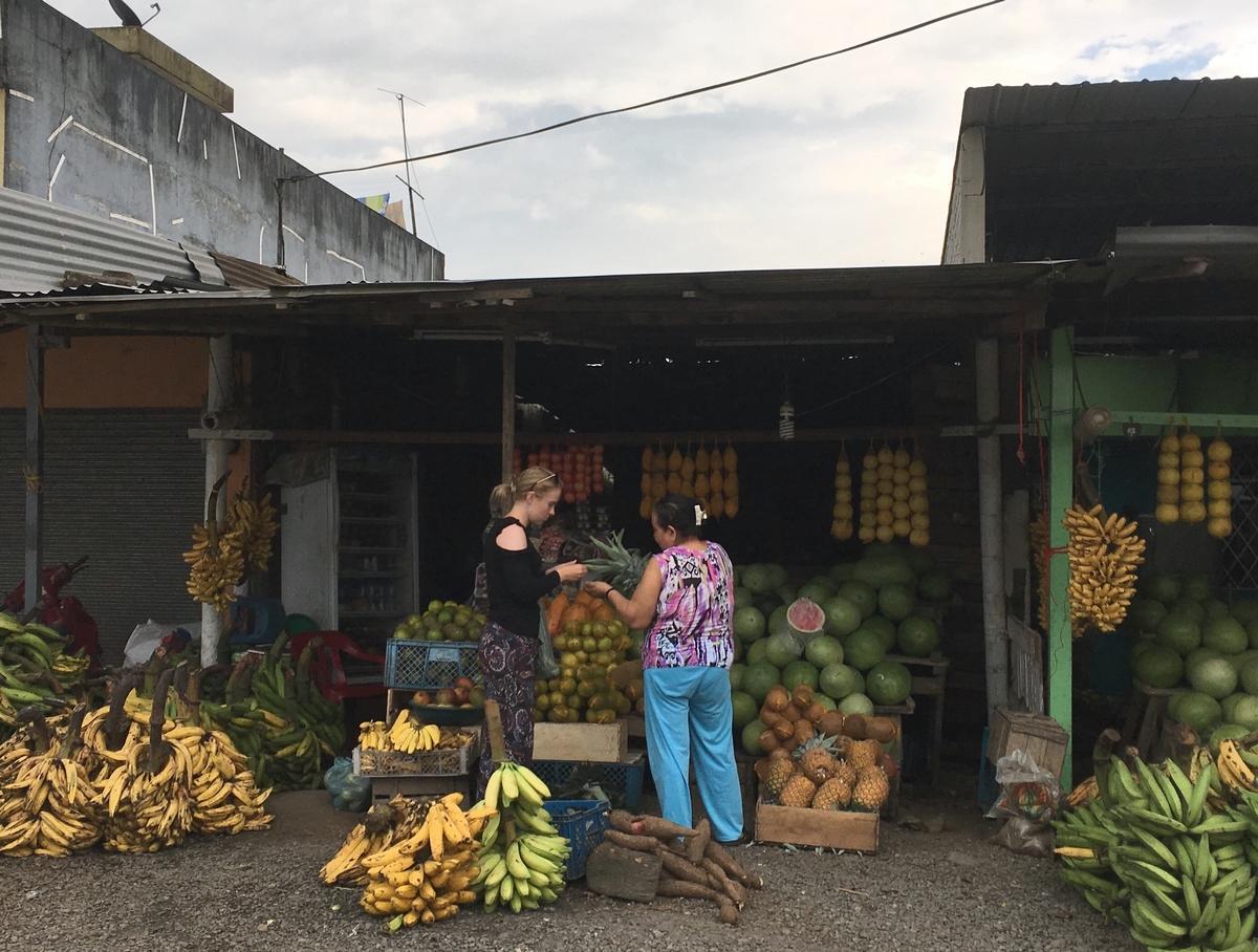 Ecuadorin halki rannikolta vuoristoon ja lopulta Quitoon